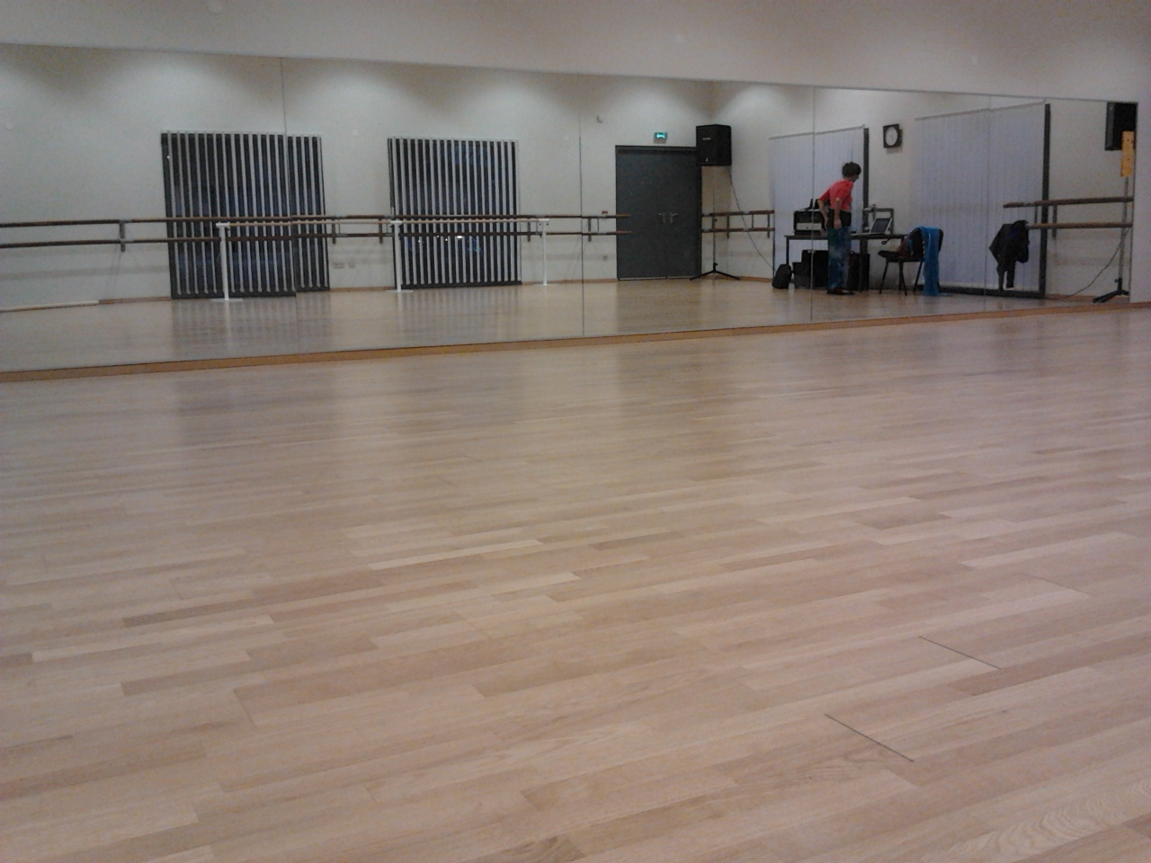 Inauguration studio de danse for Studio salon de provence